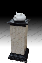 "Скульптура из мрамора ""Свин Бе"""