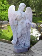 "Скульптура ""Ангел с цветами"""