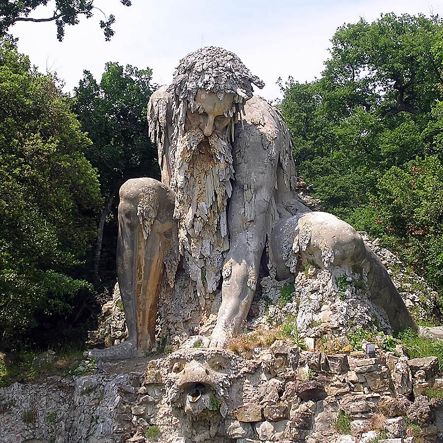Appennine_Colossus_by_Giambologna